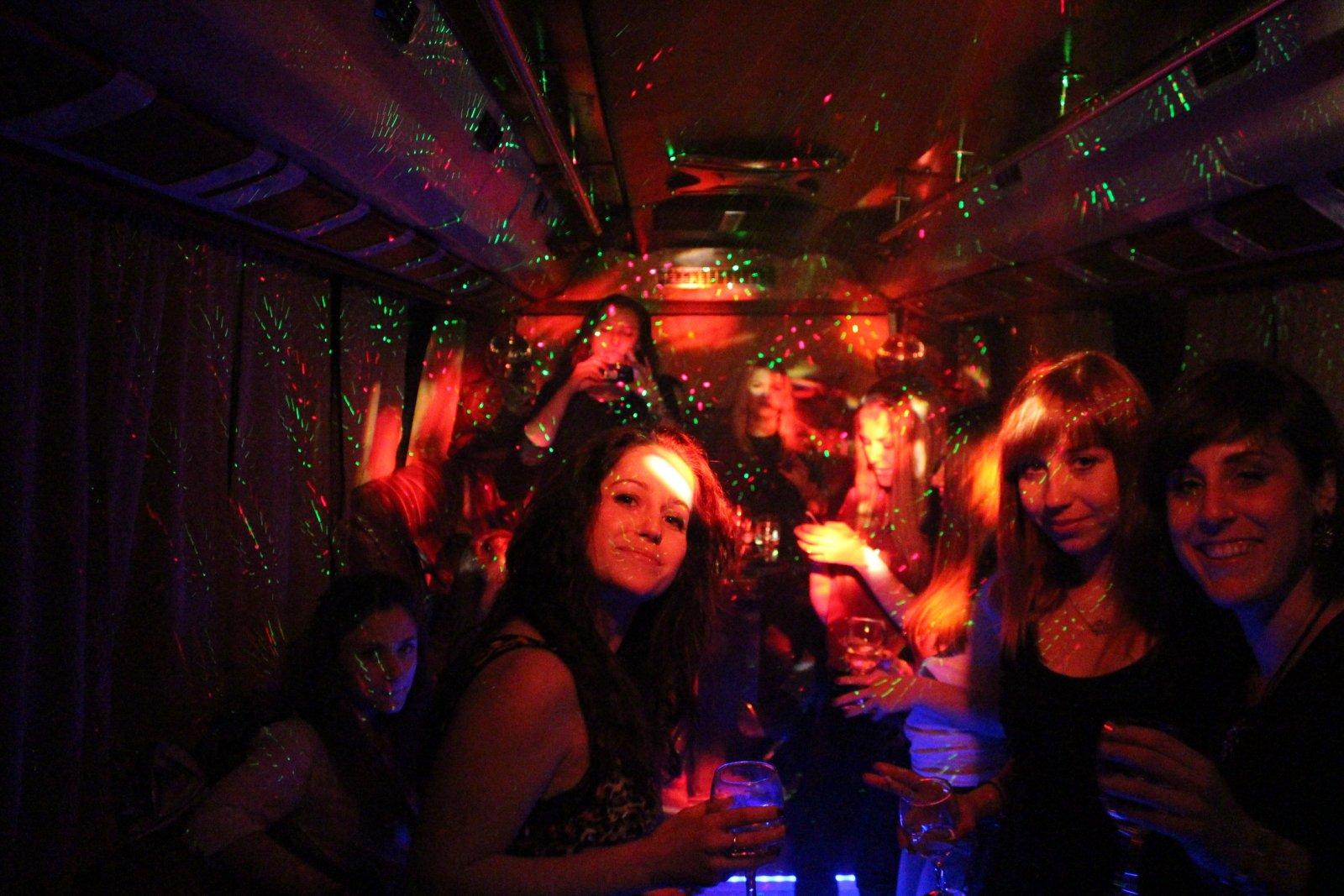 8-mi mart v partybus news 3
